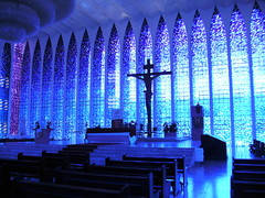 Santurio Dom Bosco - Braslia - Brasil (3) (Marcia Rosa ()) Tags: blue church braslia azul arquitetura brasil architecture temple marcia rosa igreja sanctuary templo vitral baslica lustre vitraux dombosco santurio