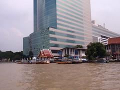 PA240005 (Box and Arrow) Tags: thailand bangkok chaophrayariver