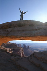 Mesa Arch Canyonlands N.P. (dichellis) Tags: nationalpark arch greenriver coloradoriver canyonlands wife moab nationalparks mesaarch washerwomanarch onearthnrdc