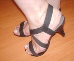 SANDÁLIA Nº 36 (calça 36/37) (Lilika´s Bazar/Melissas) Tags: bazar brinquedos sapatos sandálias brechó scarpins eletroportáteis terninhos