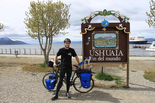 Start in Ushuaia. 0 km.