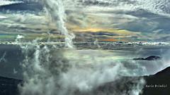 Turbolenza atmosferica - Atmospheric turbulence (Marioleona) Tags: italy mountains clouds nuvole wind paisaje paisagem gaeta hdr paesaggio vento golfo turbulence appennini aurunci turbolenza mariobrindisi cainapoli