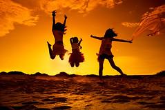 (bibi.barbie) Tags: sunset taiwan silhouettes 夕陽 剪影 沙灘 彰濱 彰化縣 肉粽角 nikond80 theperfectphotographer 線西鄉 mygearandme