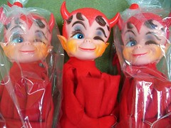 3 little Dikkens (vintage 1968 Pixie-Devils) (judibird) Tags: red love vintage toy doll kitsch pixie plush devil diablo 1968 madeinjapan kamar dikkens kneehugger