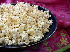 How to make Kettle Popcorn (averagebetty) Tags: summer music movie stars dance video corn shoes theater flavor sweet song duo salt fair pop betty billboard sugar kettle teen salty butter snack sing popcorn oil summertime tween quadruple diva act threat average moves butta divas flava