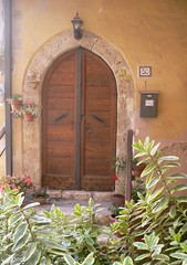 Fumone (Fr) - Antica Porta (Old door) (Luigi Strano) Tags: door italien italy travels holidays europa europe italia porta trips italie vacanze lazio frosinone latium ciociaria fumone fdv