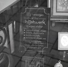Inlijstwerk (pietschreuders) Tags: glass display lettering framing pootjesglas