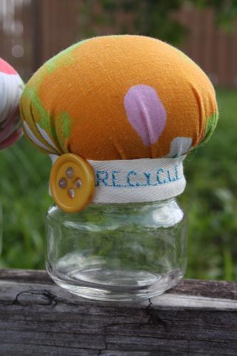 Mushroom baby food jar pin keeps