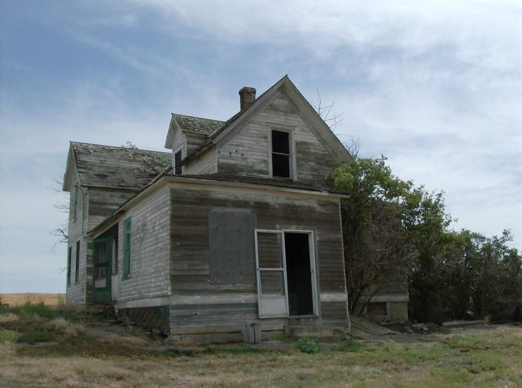 Uniontown Farmhouse, Back