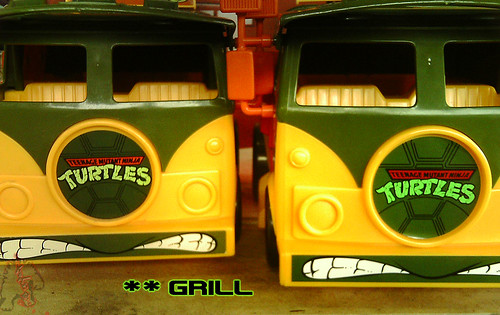 The tOkKa junkyard Car Show :: Classic Party Wagon vs. TMNT 25 Reissue //  Grill