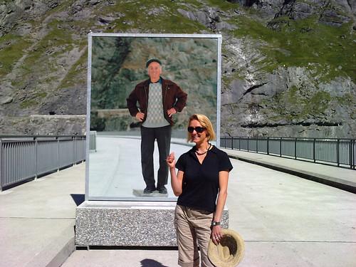 Expo photos sur le barrage de Mauvoisin (Valais, Suisse)