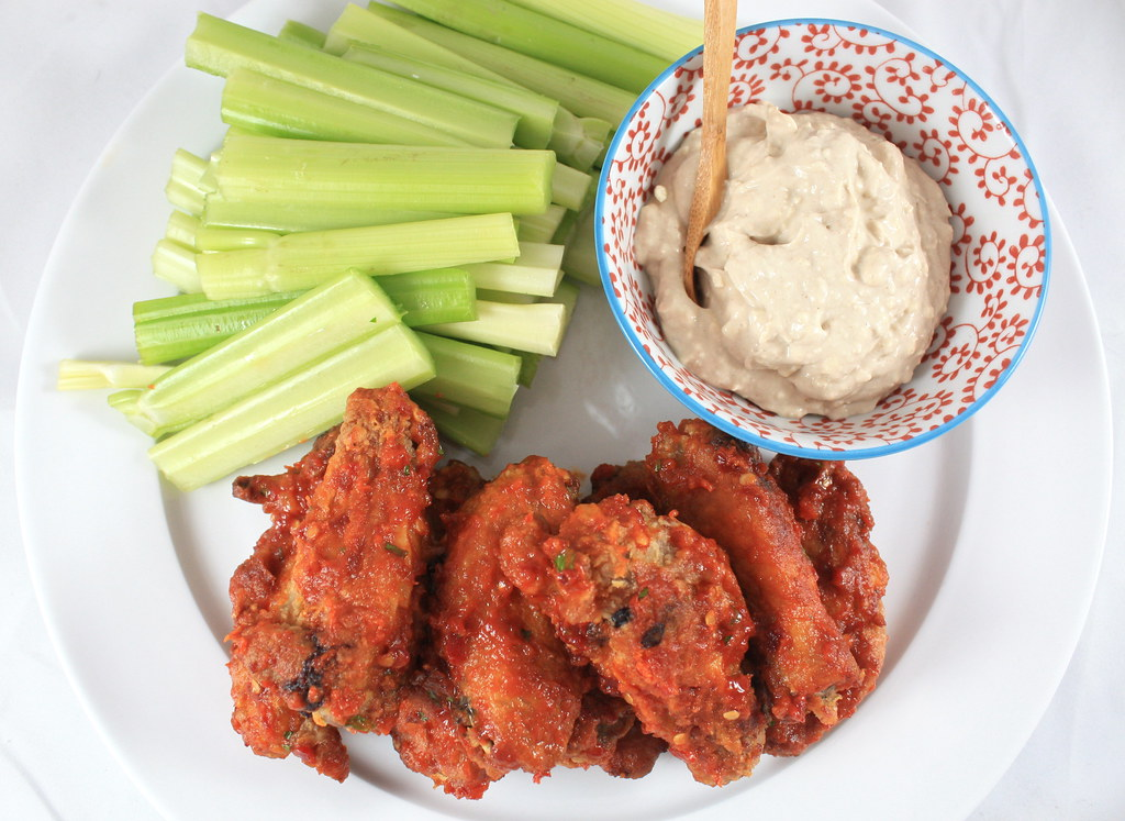 Hot Wings with Gorgonzola Sauce