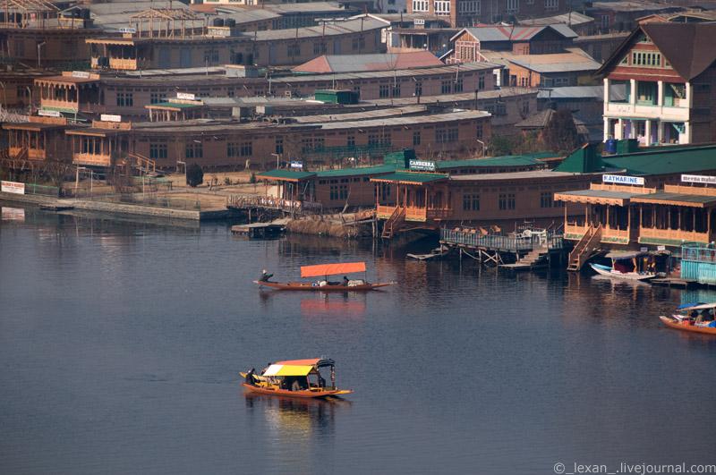 Srinagar - Indian Venice on Dal lake