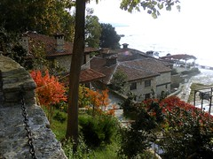 Balchik in October (Juliette_G) Tags: desktop travel autumn red wallpaper green fall beach nature beautiful architecture landscape interesting scenery palace roofs bulgaria urbannature walls botanicalgarden blacksea balchik bythesea