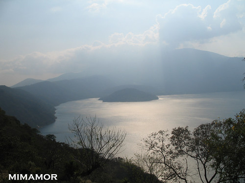 Coatepeque Lake / El Salvador