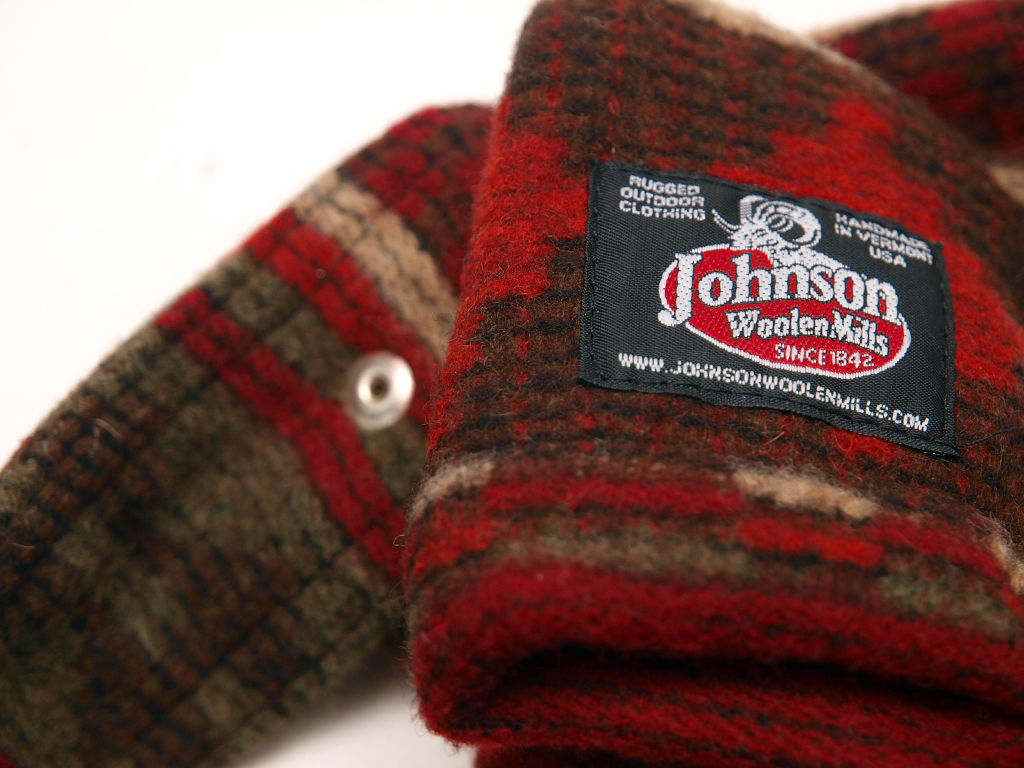 Johnson Woolen Mills / Easy Turn Off Messenger