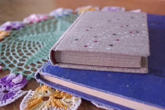 Bookbinder Paperiaarre's mini handmade book