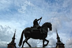 hpica y pica (bachmont) Tags: madrid sky espaa horse clouds caballo spain towers cielo nubes rider estatua jinete torres hccity