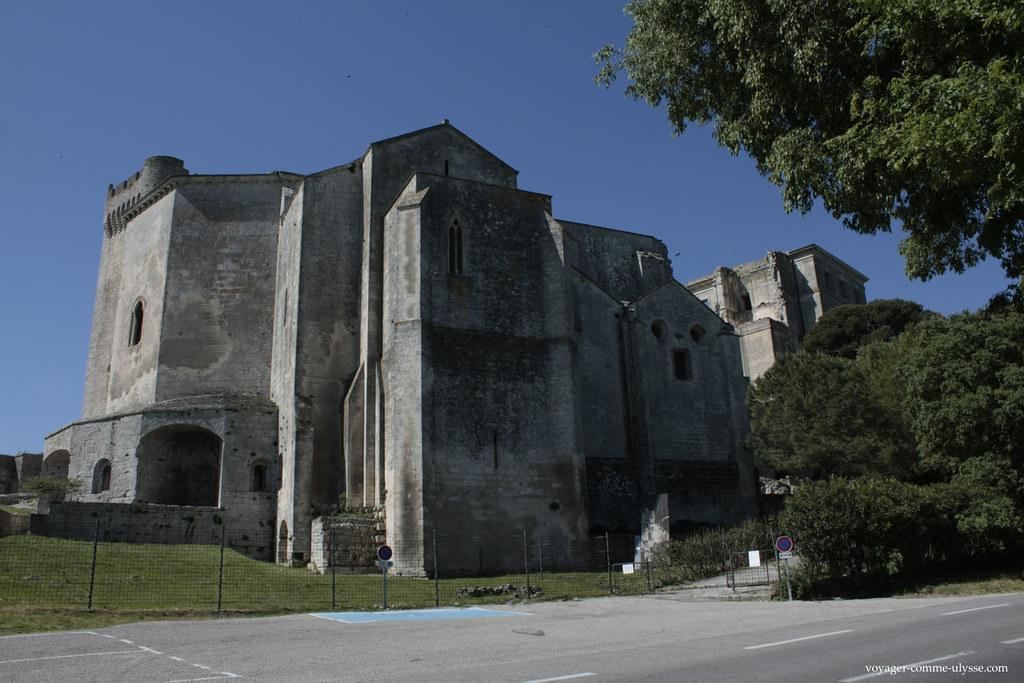 A Abadia de Montmajour, imponente