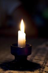 Meglio accendere una candela che brancolare nell'oscurità