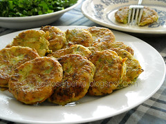 Kolokithokeftedes (occhipiuverdi2) Tags: summer food recipe estate greece grecia cibo ricetta zucchine fritto polpette kolokithokeftedes gustosamenteocchipiuverdi