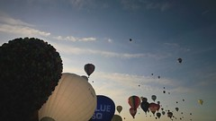 bristol balloon fiesta time lapse #2 (lomokev) Tags: morning sky canon balloons bristol eos timelapse video balloon hotairballoon 5d hotairballoons bristolballoonfiesta internationalballoonfiesta canoneos5d bristolinternationalballoonfiesta bristolballoonfiesta2009 bristolinternationalballoonfiesta2009 internationalballoonfiesta2009 balloontimelapse