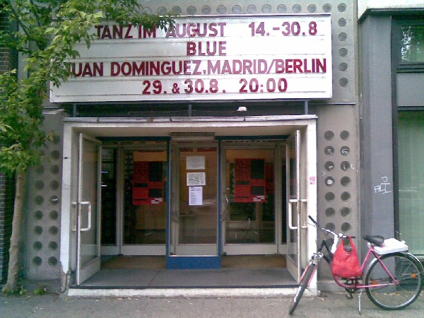 Cartel de Blue, de Juan Domínguez, en Hau 2, Berlín