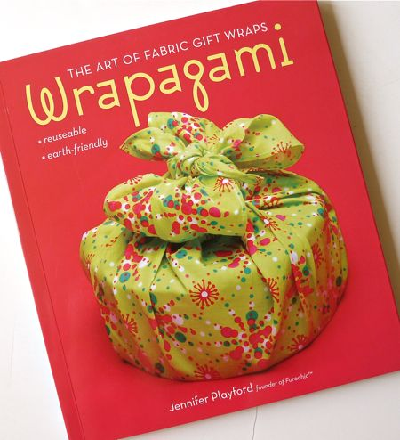 Review (Giveaway!): Wrapagami