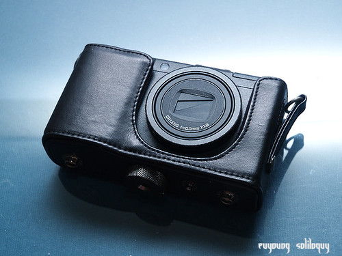 Ricoh_GRD3_Accessories_15 (by euyoung)