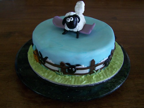 Another Shaun the Sheep Cake 2
