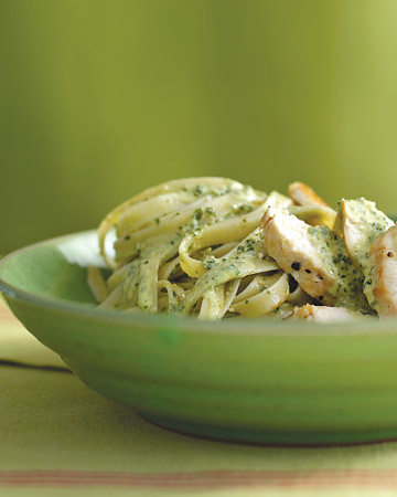 chickenfettucini with pesto cream sauce