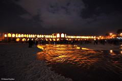 Again ZayandehRood... (Hamzeh Karbasi) Tags: bridge light reflection river iran persia  esfahan  isfahan  khajou khajoo  zayandehrood
