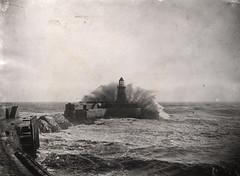 003216:Tynemouth lighthouse and pier Tynemouth Unknown c.1900 (Newcastle Libraries) Tags: newcastleupontyne tynesidelifeandtimes tynesidelifeandtimesnewcastleupontyne