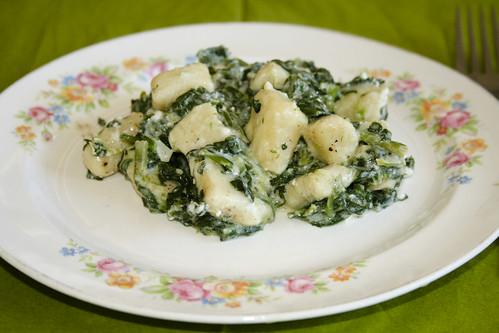 Gnocchi mit Spinat und Schafskäse