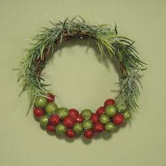 Hot Apple Cider Wreath (smidge girl) Tags: christmas holiday stockings actionfigure miniature doll barbie wreath ornaments etsy diorama sixthscale smidgehouse smidgegirl
