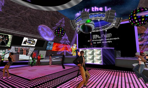 gizelle brandenburg party at dance island