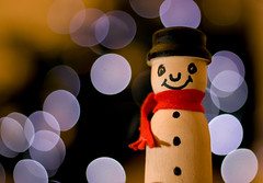 Snowman (Joebelle) Tags: christmas xmas canon lights snowman bokeh decoration christmastree explore christmasdecoration speedlite ste2 explored strobist 40d canon40d platinumheartaward 430exii