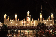 Santa's castle at Stoneham Zoo, Massachusetts (lehcar1477) Tags: santa christmas xmas roof decorations holiday castle zoo lights santas time massachusetts noel christmaslights soldiers lit stoneham zoolights stonezoo santascastle