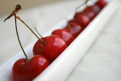 (what_marty_sees) Tags: cherries pretty tastegood aretheyinseason becauseididntexpectthemto ijustboughtafew becausetheywere