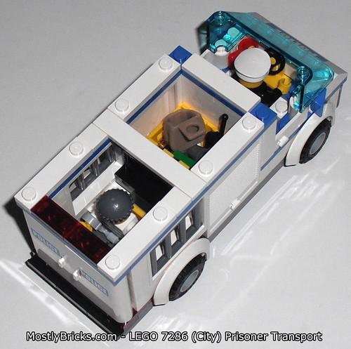 LEGO City 7286 Prisoner Transport Review