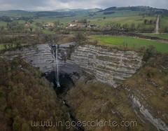 Cascada de Gujuli en Alava (Iñigo Escalante) Tags: cascada alava araba gujuli euskadi pais vasco salto naturaleza paisaje vista aerea