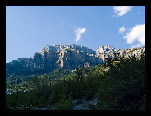 Ordesa - Murallones del Mondarruego (2755 m.)