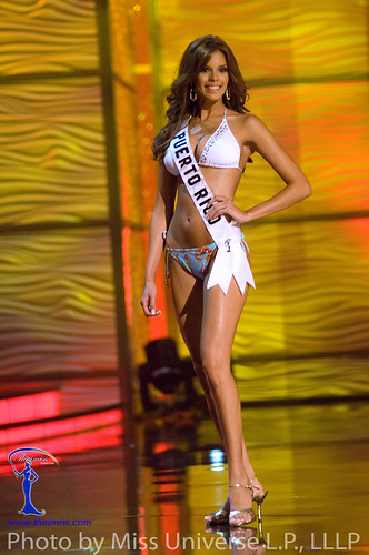 Miss Puerto Rico 2009 Mayra Matos in BSC Swimwear