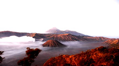 petit matin bromo. java 15 secondes (celedena.photography) Tags: voyage travel cloud nature indonesia landscape volcano java amazing asie gunung nuage indonesie bromo semeru tengger batok volcan mywinners abigfave platinumheartaward celedena