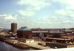 Hamnen Sent  70-tal (Gran Hglund (Kartlsarn)) Tags: old analog gteborg sweden gothenburg dia 1978 sverige gamla scannade skannade gullbergsskajen kartlsarn kartlasarn granhglund