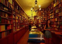 simurg (nilgun erzik) Tags: türkiye istanbul taksim beyoglu kitap kitapci simurg fotografkıraathanesi fotografca biyerlerde eylul2009