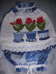 puxa saco tulipas (*Sonhos em Retalhos*) Tags: patchwork decorao cozinha patchcolagem