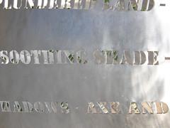 2007-12-23-Stoneleigh-2007-09-05-Pupuharakeke (russellstreet) Tags: newzealand sculpture auckland nzl manukau aucklandbotanicalgardens virginiaking sculpturesinthegarden2007 stoneleighsculpturesinthegarden2007 pupuharakeke pupuharakekeflaxsnail
