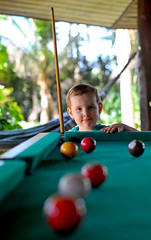 Young caçapa (Shigow) Tags: brazil game pool brasil 50mm nikon mine victor sp 12 nikkor jogo snooker sinuca ais d300 bilhar shigueru ituverava shigow