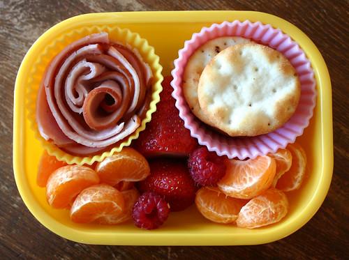 Kindergarten Bento #243: October 1, 2009
